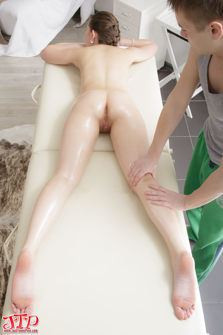 Hard Nude massage girl ass